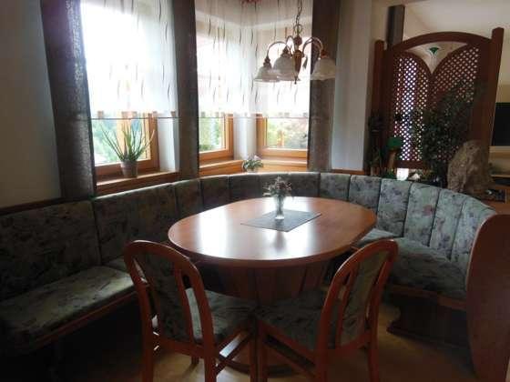 esszimmer eckbank mit ovalen ausziehbarem tisch und 3 st hlen 600 3340 waidhofen ybbs. Black Bedroom Furniture Sets. Home Design Ideas