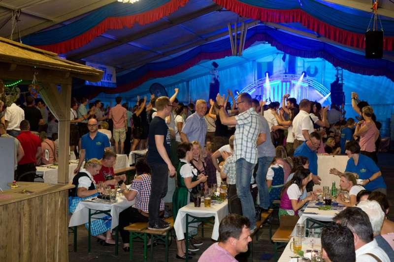 Impressionen vom Naarner Zeltfest-Wochenende  - Bild 8