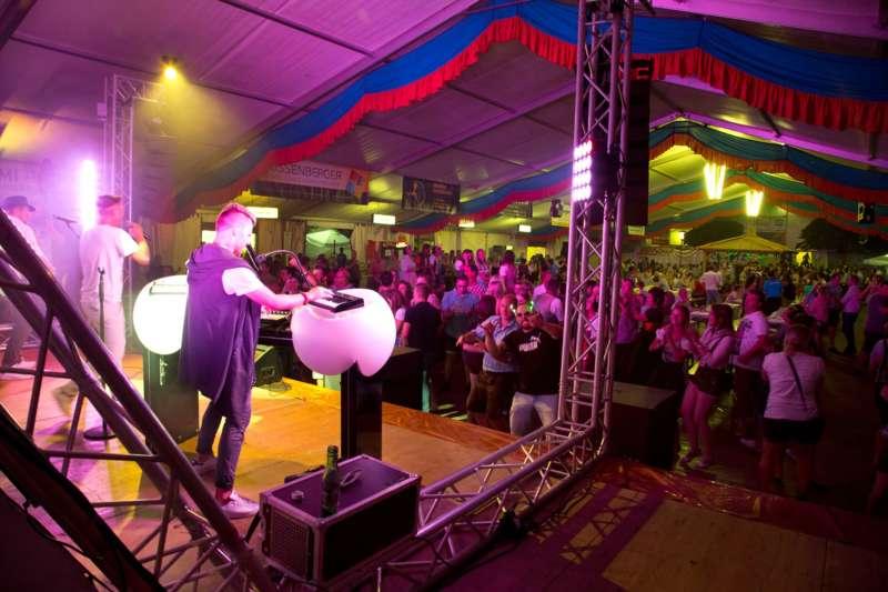 Impressionen vom Naarner Zeltfest-Wochenende  - Bild 19