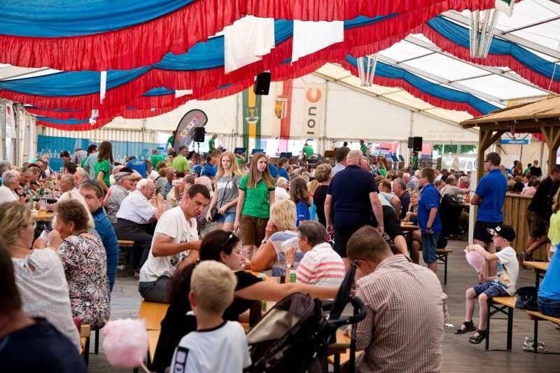 Impressionen vom Naarner Zeltfest-Wochenende  - Bild 23