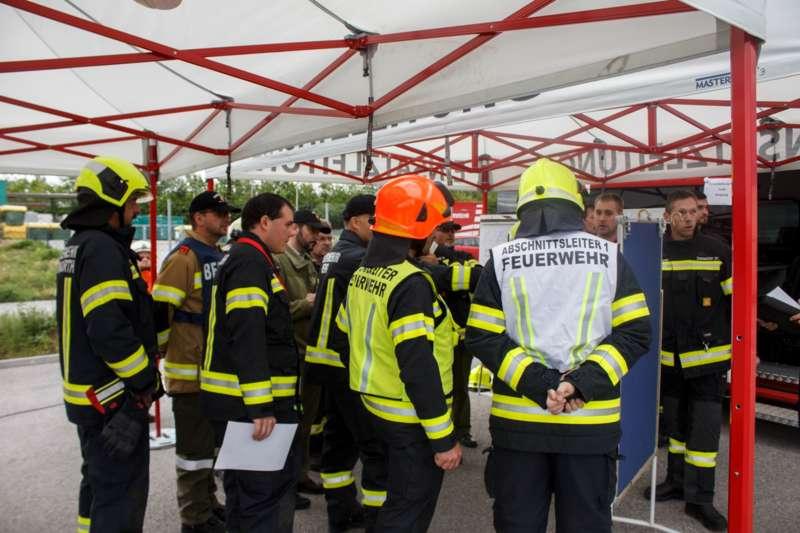 Frühjahrsübung der Freiwilligen Feuerwehr Perg am Gelände der Firma Bulmor - Bild 4