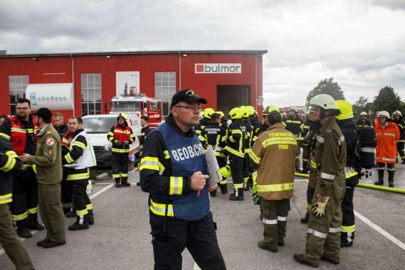 Frühjahrsübung der Freiwilligen Feuerwehr Perg am Gelände der Firma Bulmor - Bild 9