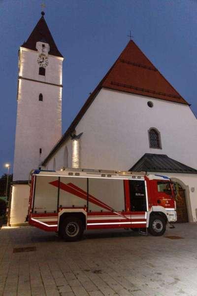 Freiwillige Feuerwehr Perg holte Fahrzeugsegnung nach - Bild 3