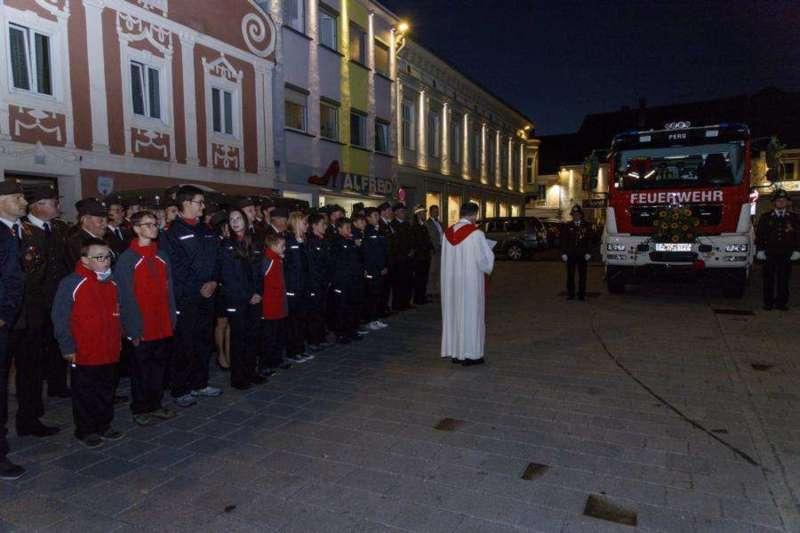 Freiwillige Feuerwehr Perg holte Fahrzeugsegnung nach - Bild 6