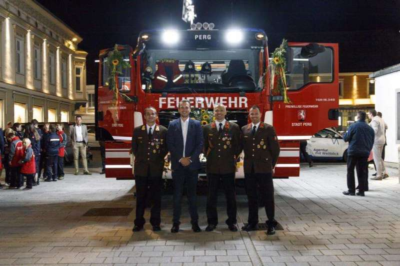 Freiwillige Feuerwehr Perg holte Fahrzeugsegnung nach - Bild 14