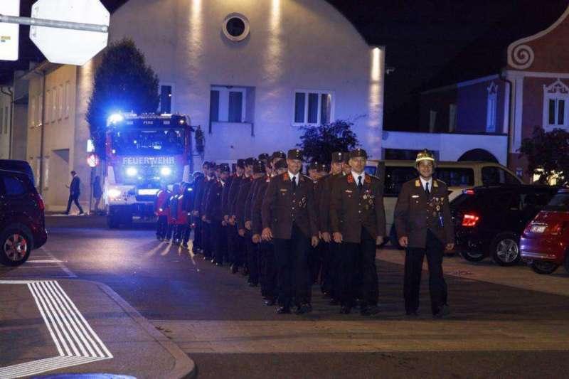 Freiwillige Feuerwehr Perg holte Fahrzeugsegnung nach - Bild 16