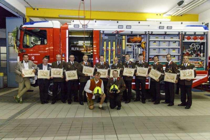 Freiwillige Feuerwehr Perg holte Fahrzeugsegnung nach - Bild 17