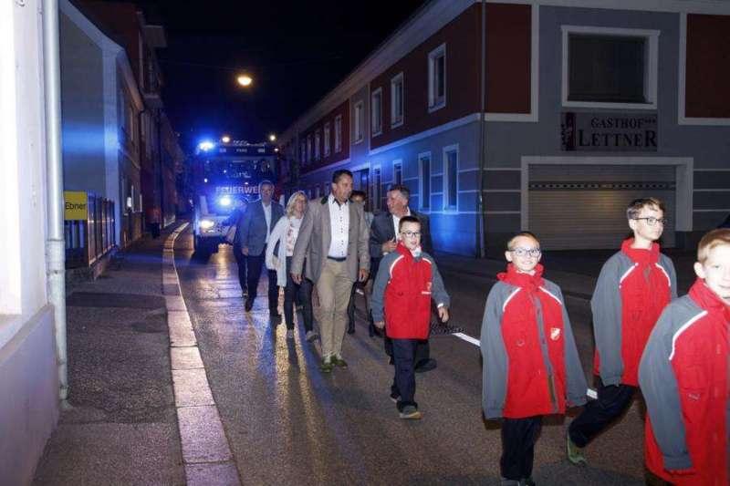 Freiwillige Feuerwehr Perg holte Fahrzeugsegnung nach - Bild 20