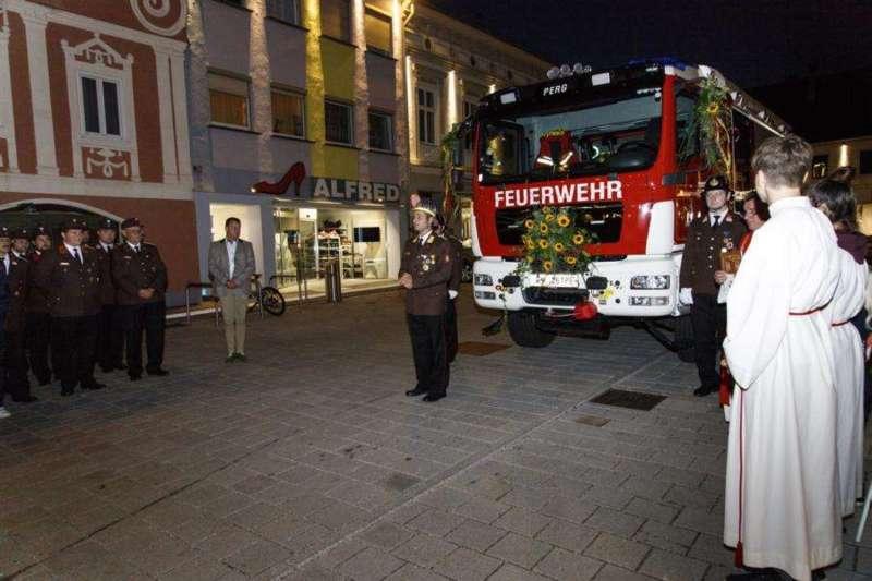 Freiwillige Feuerwehr Perg holte Fahrzeugsegnung nach - Bild 21