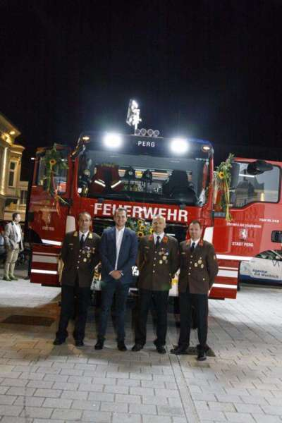 Freiwillige Feuerwehr Perg holte Fahrzeugsegnung nach - Bild 27
