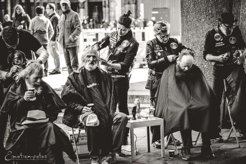 Barber Angel Aus Aigen Schlagl Verpasst Obdachlosen Einen Gratis