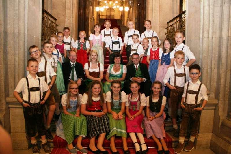 Bezirk Rohrbach präsentierte sich beim Ball der OÖ von seiner musikalischen Seite - Bild 2