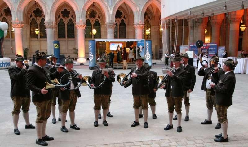 Bezirk Rohrbach präsentierte sich beim Ball der OÖ von seiner musikalischen Seite - Bild 13
