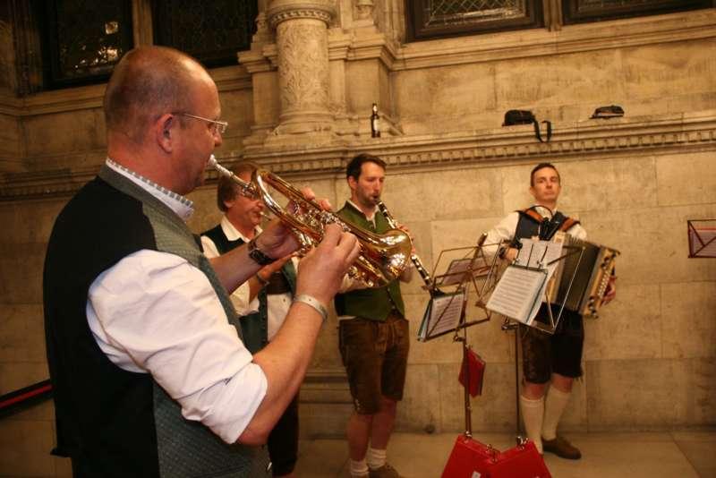 Bezirk Rohrbach präsentierte sich beim Ball der OÖ von seiner musikalischen Seite - Bild 52