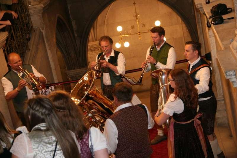 Bezirk Rohrbach präsentierte sich beim Ball der OÖ von seiner musikalischen Seite - Bild 55