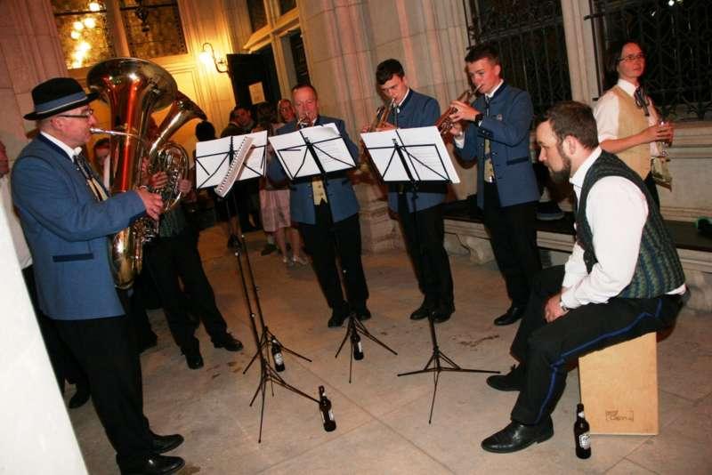 Bezirk Rohrbach präsentierte sich beim Ball der OÖ von seiner musikalischen Seite - Bild 62