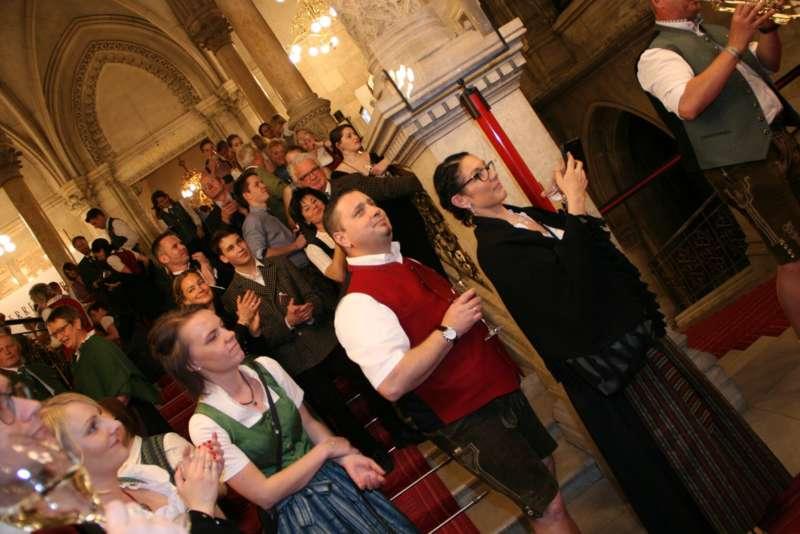 Bezirk Rohrbach präsentierte sich beim Ball der OÖ von seiner musikalischen Seite - Bild 63