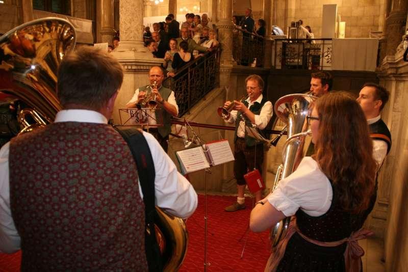 Bezirk Rohrbach präsentierte sich beim Ball der OÖ von seiner musikalischen Seite - Bild 65