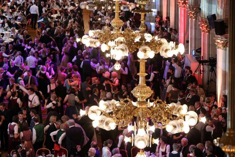 Bezirk Rohrbach präsentierte sich beim Ball der OÖ von seiner musikalischen Seite - Bild 73