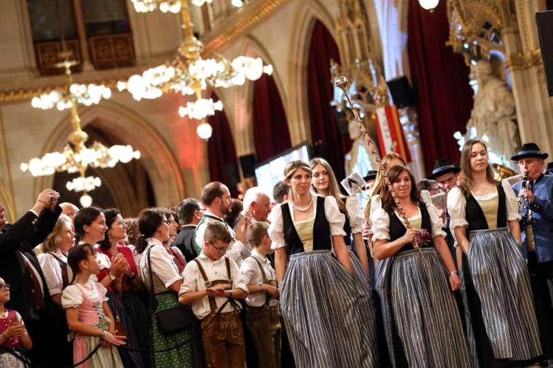 Bezirk Rohrbach präsentierte sich beim Ball der OÖ von seiner musikalischen Seite - Bild 76