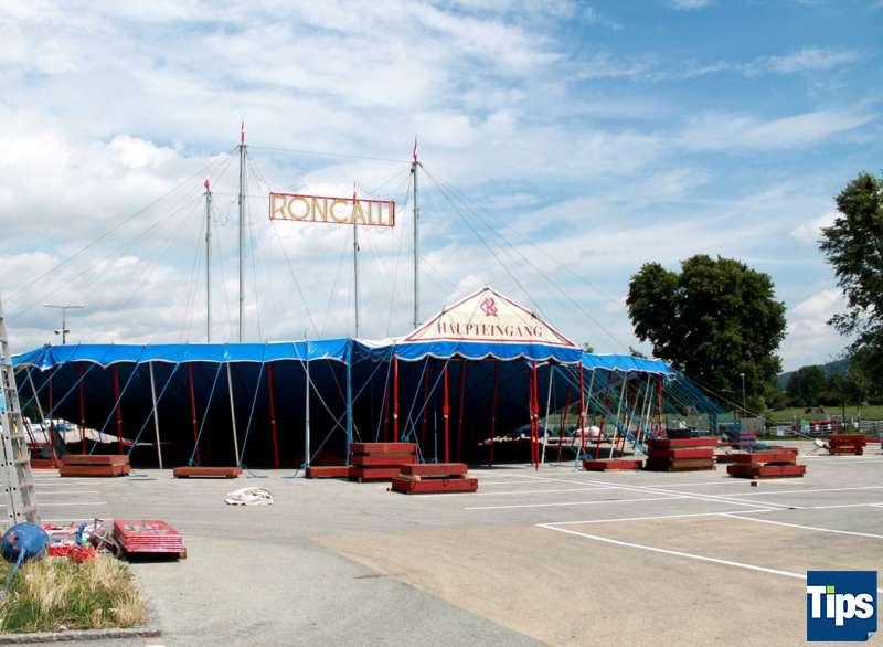 Jubiläumsshow: Circus Roncalli schlägt in Linz auf
