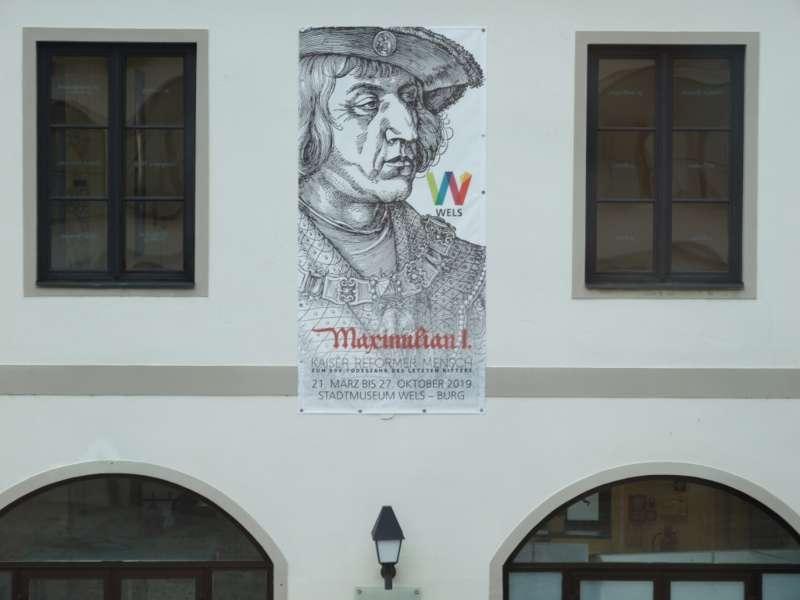 Rundgang durch die Maximilian-Ausstellung - Bild 30