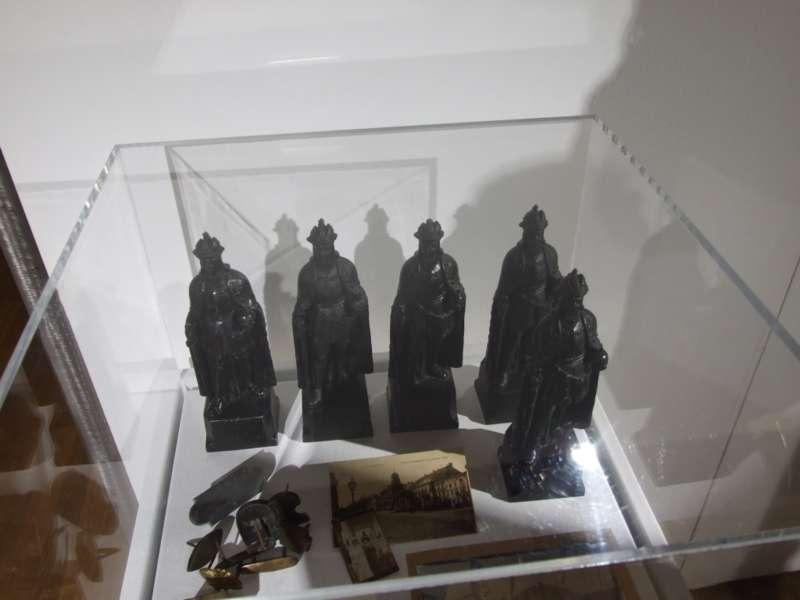 Rundgang durch die Maximilian-Ausstellung - Bild 33