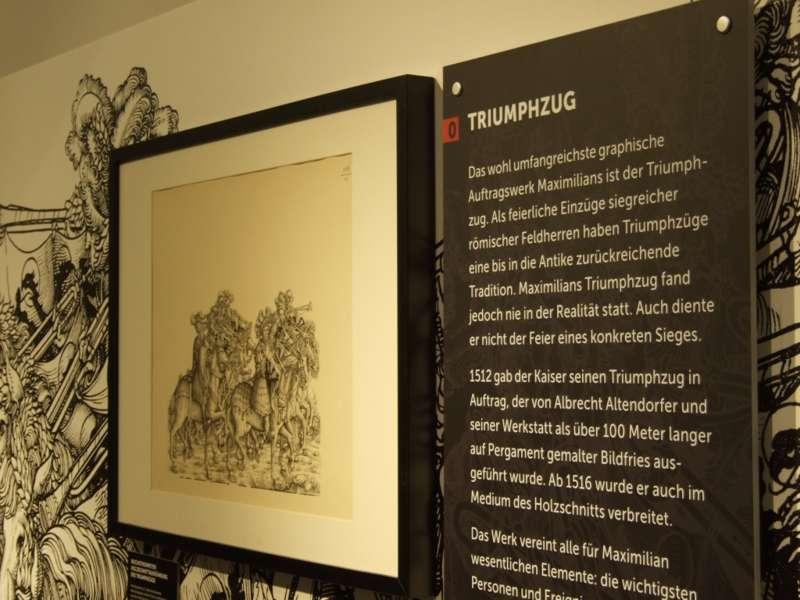 Rundgang durch die Maximilian-Ausstellung - Bild 38