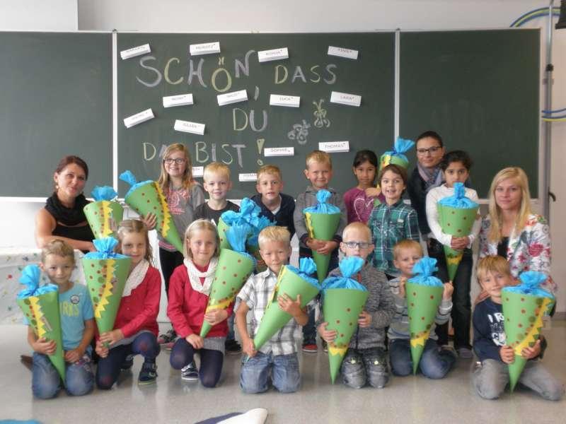 Schulanfänger aus dem Bezirk - Bild 3