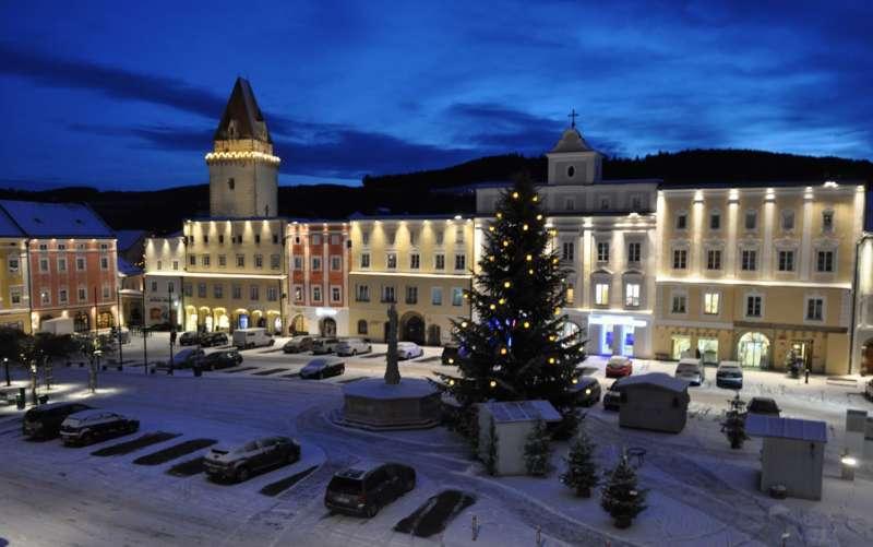 Christbaumkugeln Tschechien.Freistadts Christbaumkugeln Leuchten Klimafreundlich