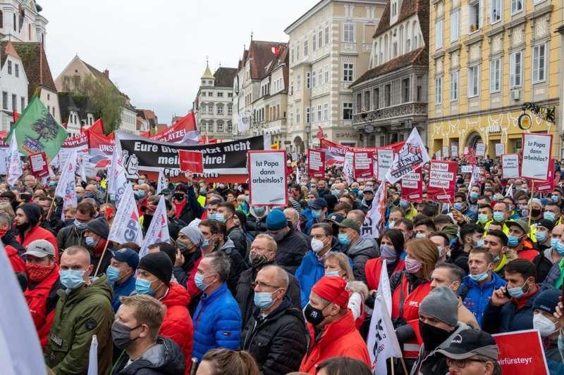 MAN Steyr: Warnstreik und Kundgebung - Bild 40