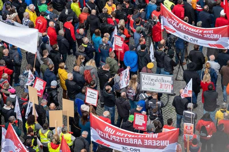 MAN Steyr: Warnstreik und Kundgebung - Bild 47
