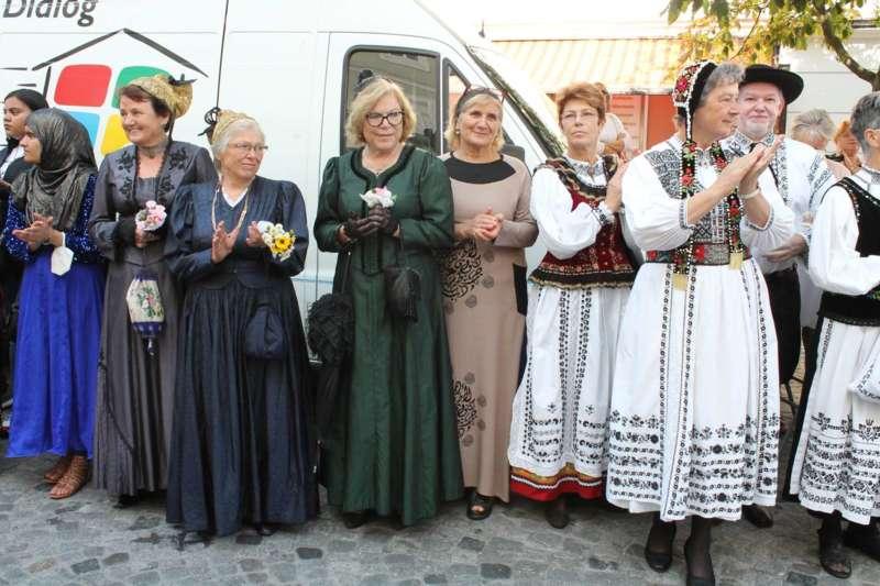 Viele Kulturen und gelebte Tradition - Bild 9