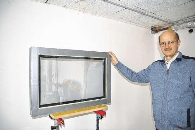 von verkehrsl rm geplagt erfand gschwandtner eigenes schallschutz fenster. Black Bedroom Furniture Sets. Home Design Ideas
