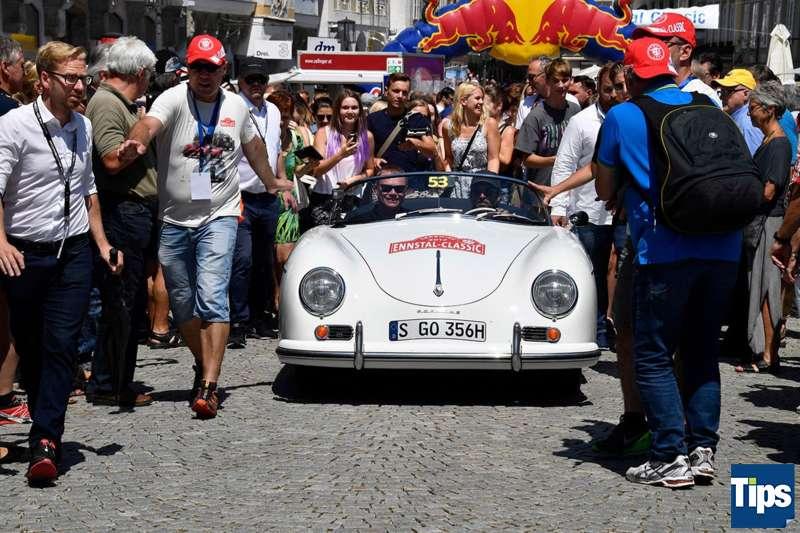 Ennstal Classic Stadtplatz Steyr Patrick Dempsey Und Mark Webber