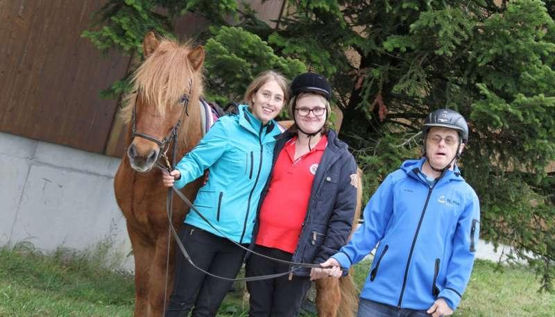 Heilpädagogische Förderung mit dem Pferd - Bild 1507492985