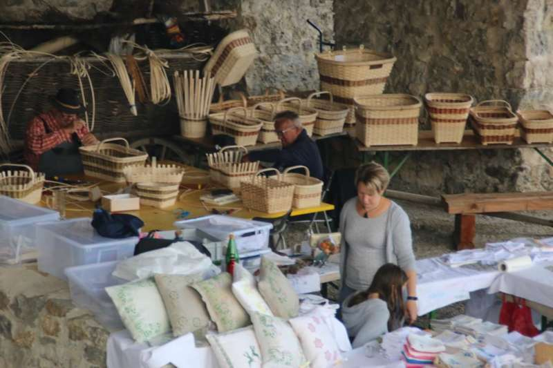 Drechseln, flechten und schmieden in der Burgarena - Bild 11