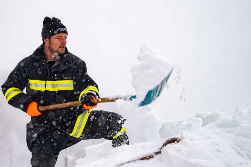 Bundesheer und Feuerwehren in Rosenau und Spital am Pyhrn im Einsatz - Bild 9