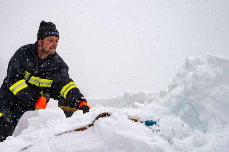 Bundesheer und Feuerwehren in Rosenau und Spital am Pyhrn im Einsatz - Bild 24