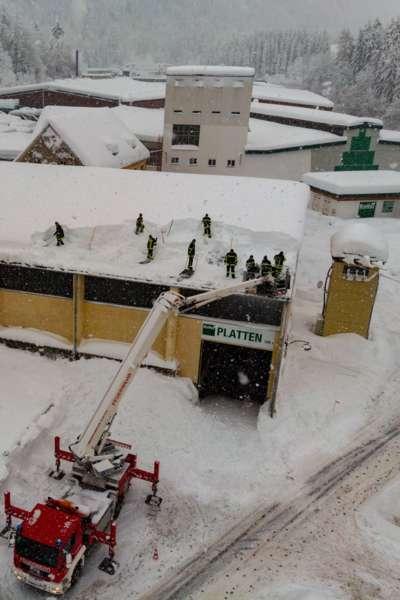 Bundesheer und Feuerwehren in Rosenau und Spital am Pyhrn im Einsatz - Bild 26