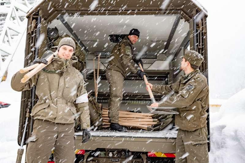 Bundesheer und Feuerwehren in Rosenau und Spital am Pyhrn im Einsatz - Bild 27