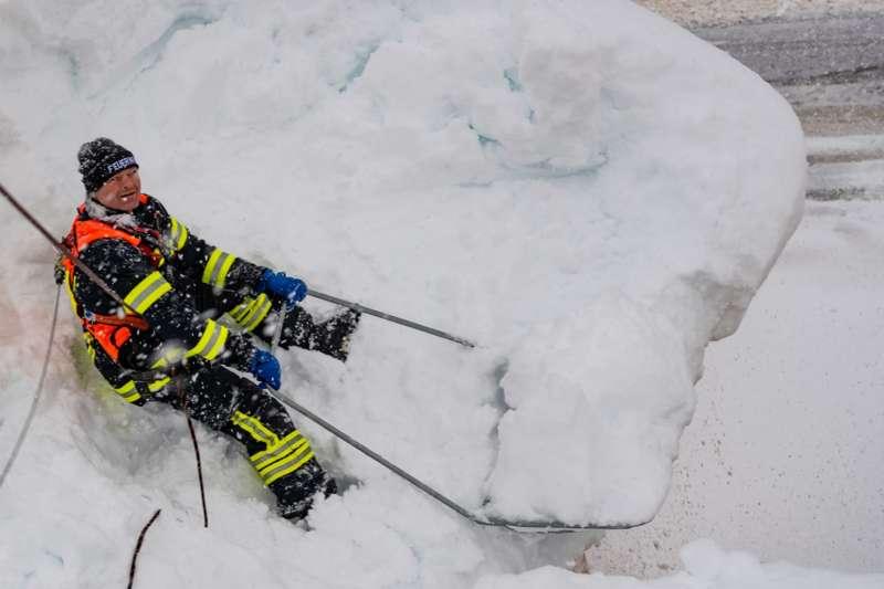 Bundesheer und Feuerwehren in Rosenau und Spital am Pyhrn im Einsatz - Bild 34