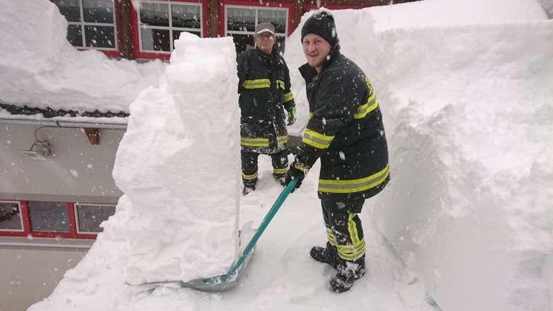 Bundesheer und Feuerwehren in Rosenau und Spital am Pyhrn im Einsatz - Bild 45