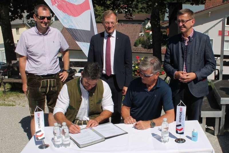 Vincent Kriechmayr erhält Weltmeistergondel und verlängert Sponsorvertrag - Bild 8