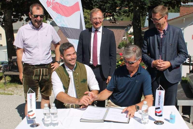 Vincent Kriechmayr erhält Weltmeistergondel und verlängert Sponsorvertrag - Bild 11