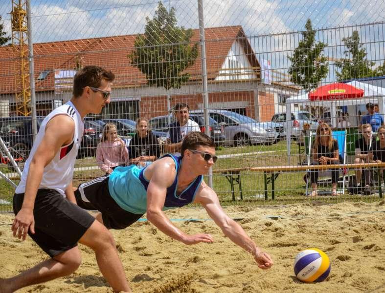 Spannende Finalspiele bei Beach Trophy  - Bild 12
