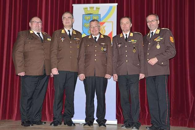 Manfred damberger als bezirksfeuerwehrkommandant wiedergew hlt for Wohndesign erwin damberger