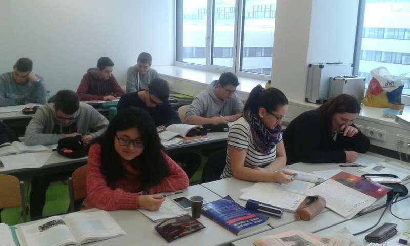 Studieren Probieren | - New Design University