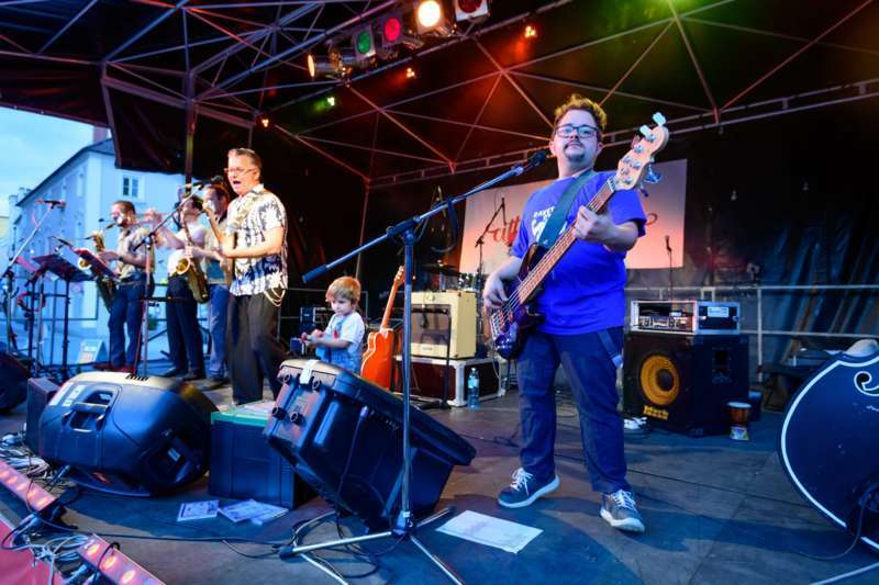 cittá musica: Jonny Comet & The Rockets brachten den Hauptplatz zum Beben - Bild 44