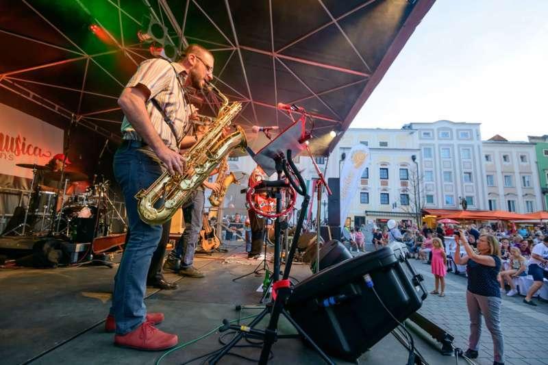 cittá musica: Jonny Comet & The Rockets brachten den Hauptplatz zum Beben - Bild 46